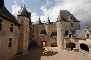 Chateau-fougeres-sur-bievre©CDT4-les-petits-curieux